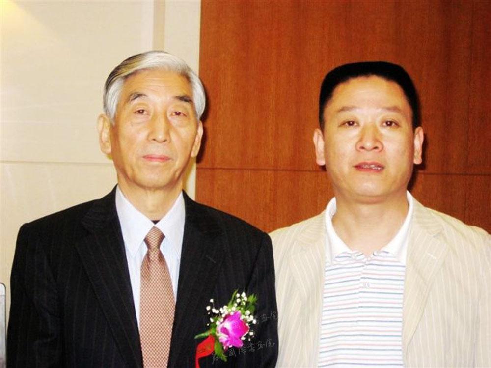钱建恒和中国书协主席张海先生在一起